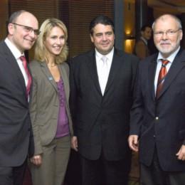 Erwin Sellering, Manuela Schwesig, Sigmar Gabriel und Harald Ringstorff